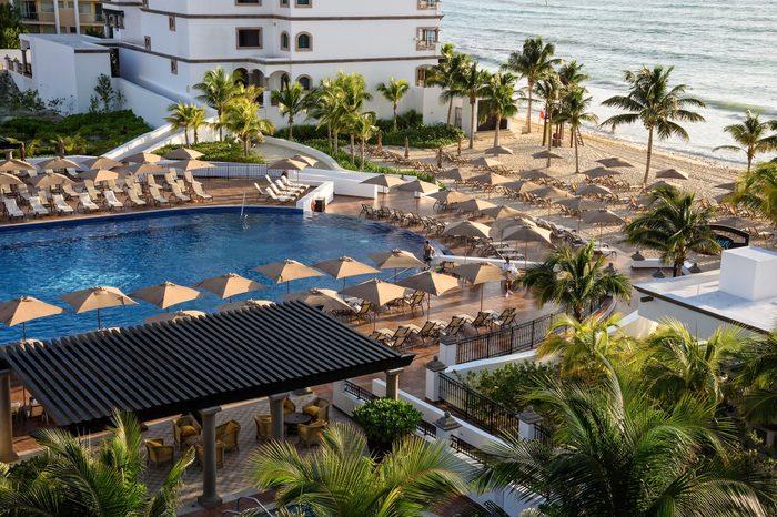cancun thanksgiving destination