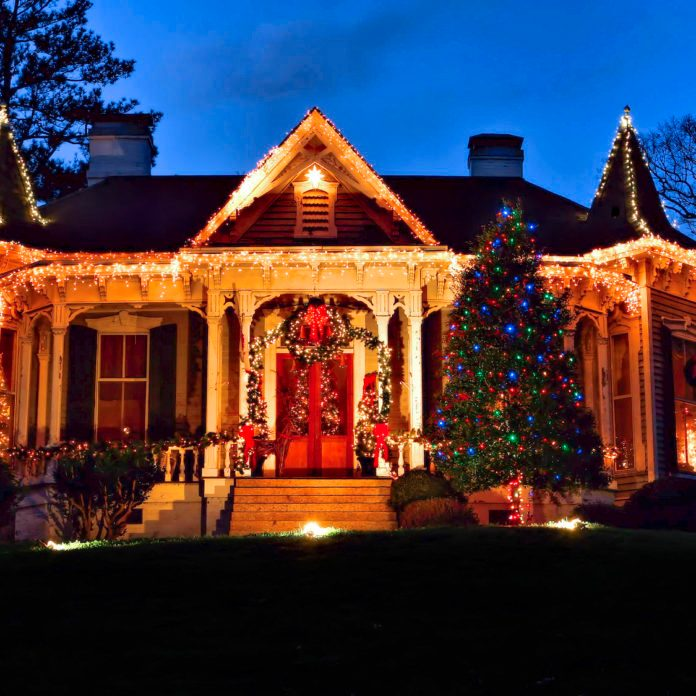 12 Old-Fashioned Christmas Towns You Should Visit