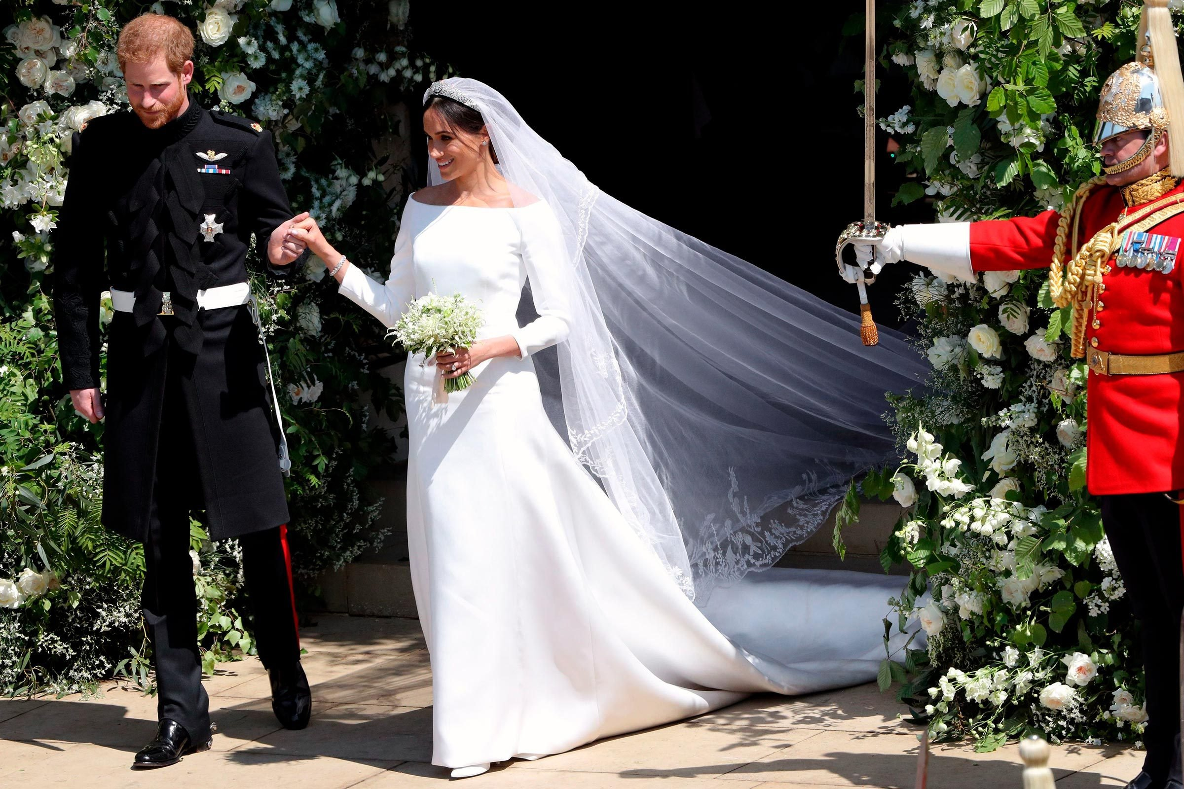 Meghan Markle Wedding Pictures.Details You Never Noticed About Meghan Markle S Wedding Dress