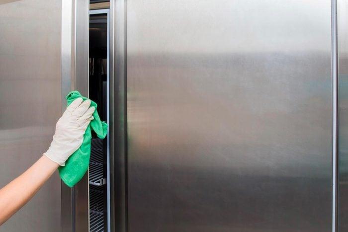 White vinegar uses refrigerator