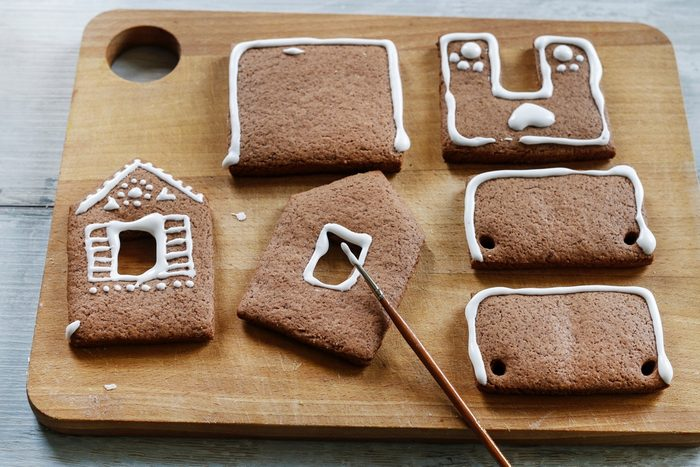 How to make gingerbread house, step by step, tutorial.