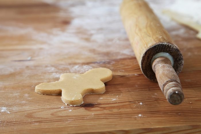 Uncook Plain gingerbread man and roling pin
