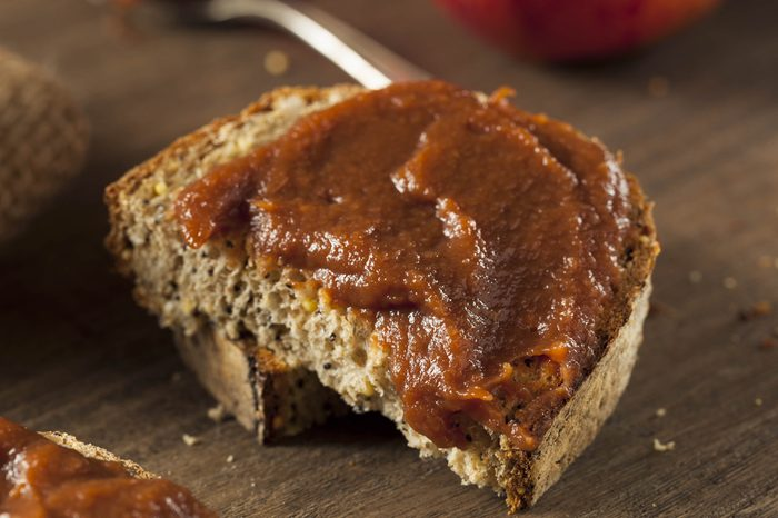 Homemade Sweet Apple Butter with Cinnamon and Nutmeg