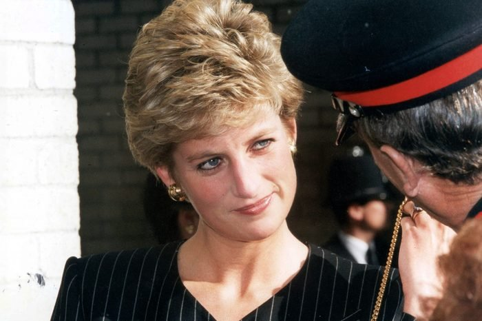 Diana Princess Of Wales Princess Diana Visiting The Missing Persons Bureau In South London .. Picture Desk ** Pkt672 - 25420