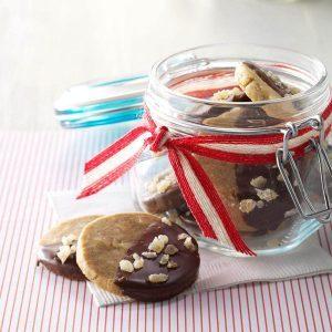 New Jersey: Ginger & Maple Macadamia Nut Cookies