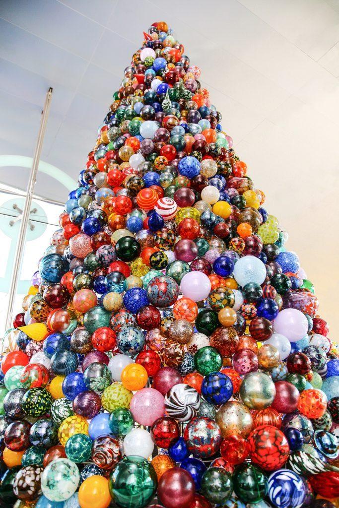 Ornament Holiday Tree