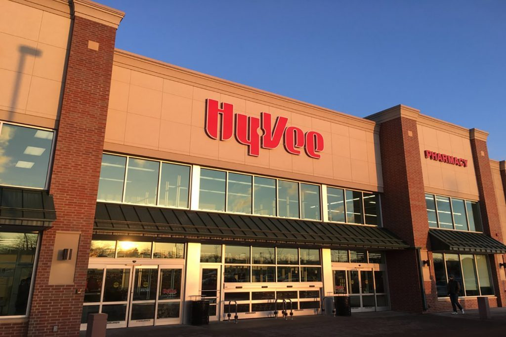 The facade of the Hyvee Supermarket on the west side of Madison, Wisconsin.