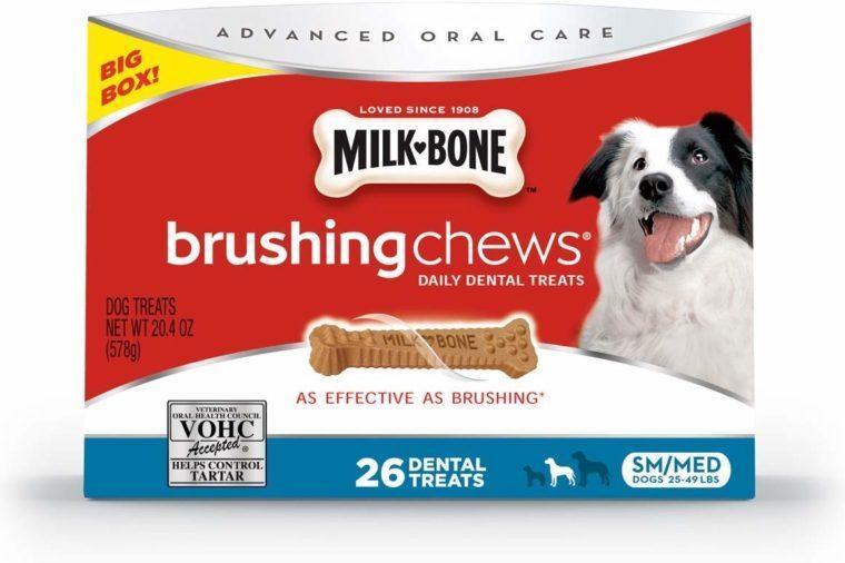 milk bone oral care dog treats