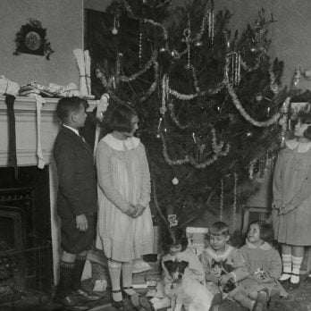 18 Photos That Show What Christmas Looked Like 100 Years Ago