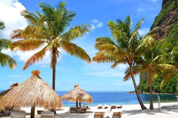 Plage exotique à Sainte-Lucie, entre les deux Pitons, Sainte-Lucie, Caraïbes