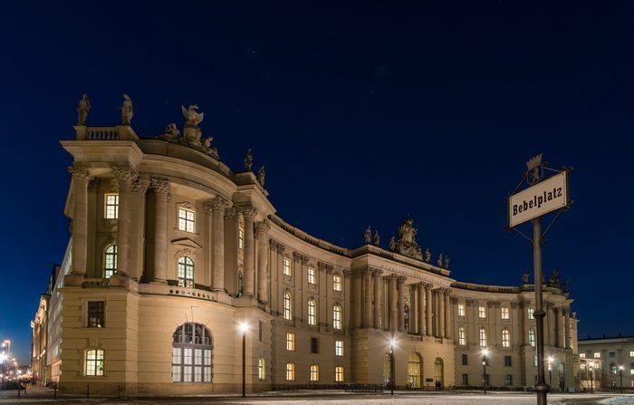 Bebelplatz in Berlin winter night