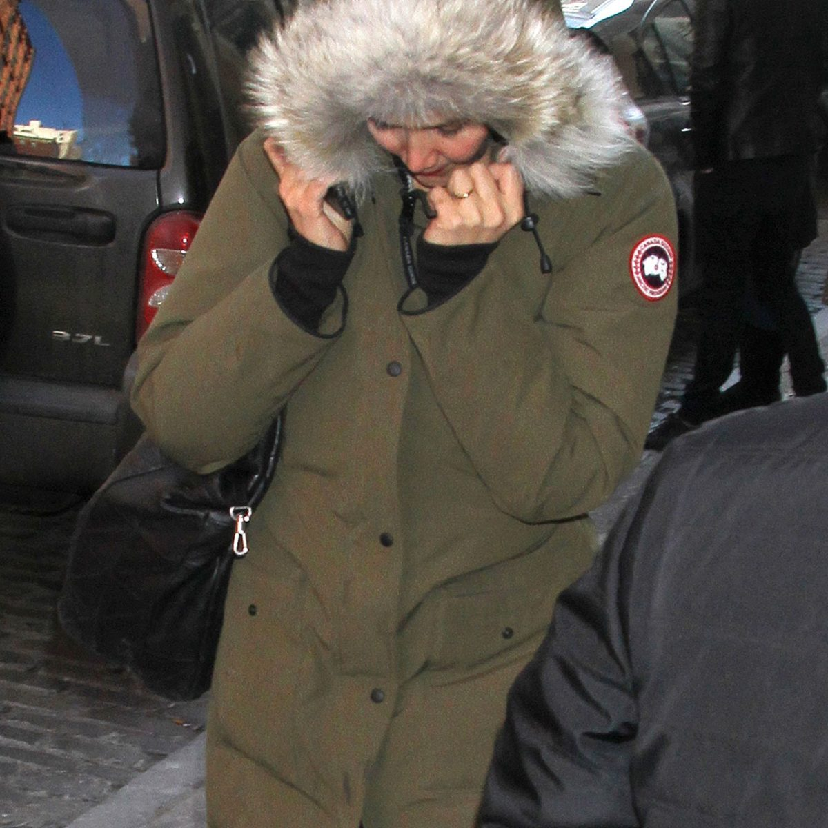 canada goose jackets use real fur
