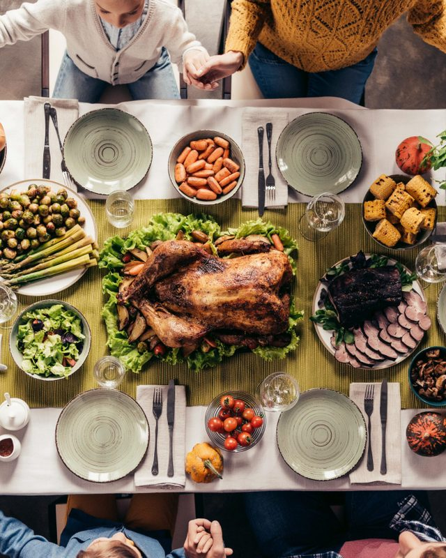 thanksgiving family dinner
