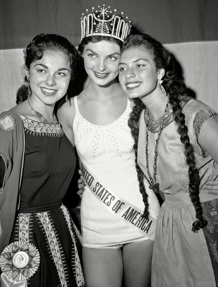 1957 Miss Maryland crowned Miss U.S.A.