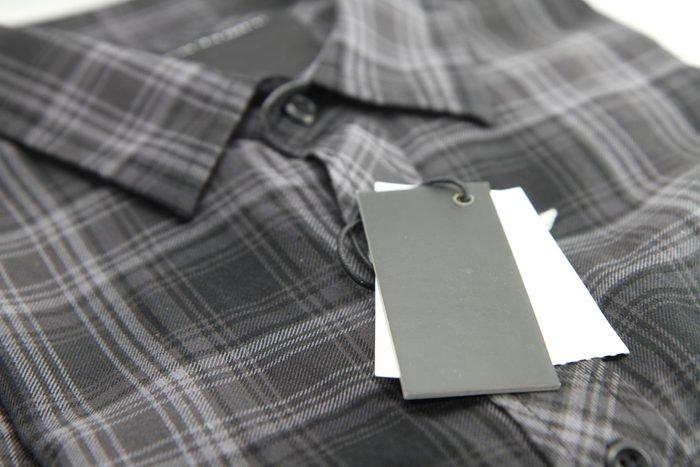 Price tag of Plaid shirts / New shirts