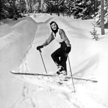 25 Rare, Vintage Photos of What Winter Used to Look Like
