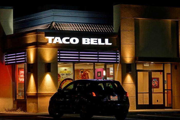 Closing times at fast food restaurants