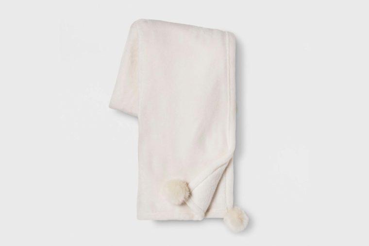 cozy pom pom blanket