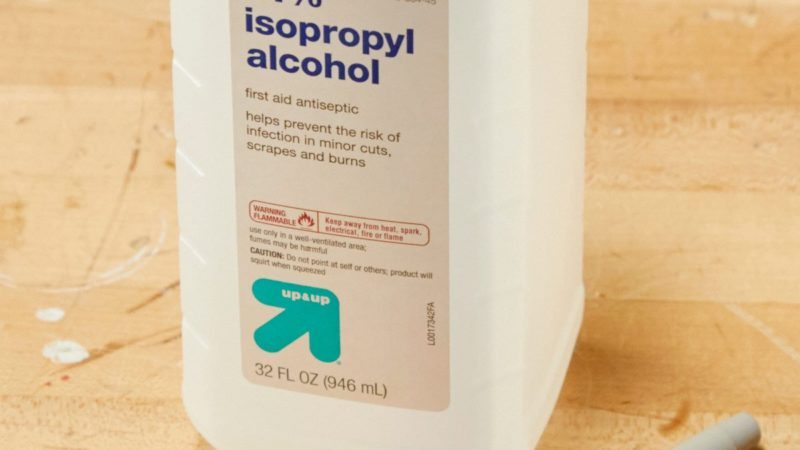Ways to Use Rubbing Alcohol   Reader's