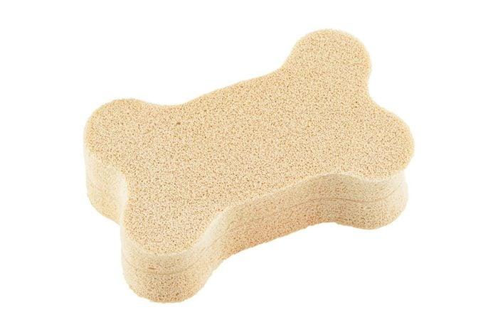 Pet hair removal sponge