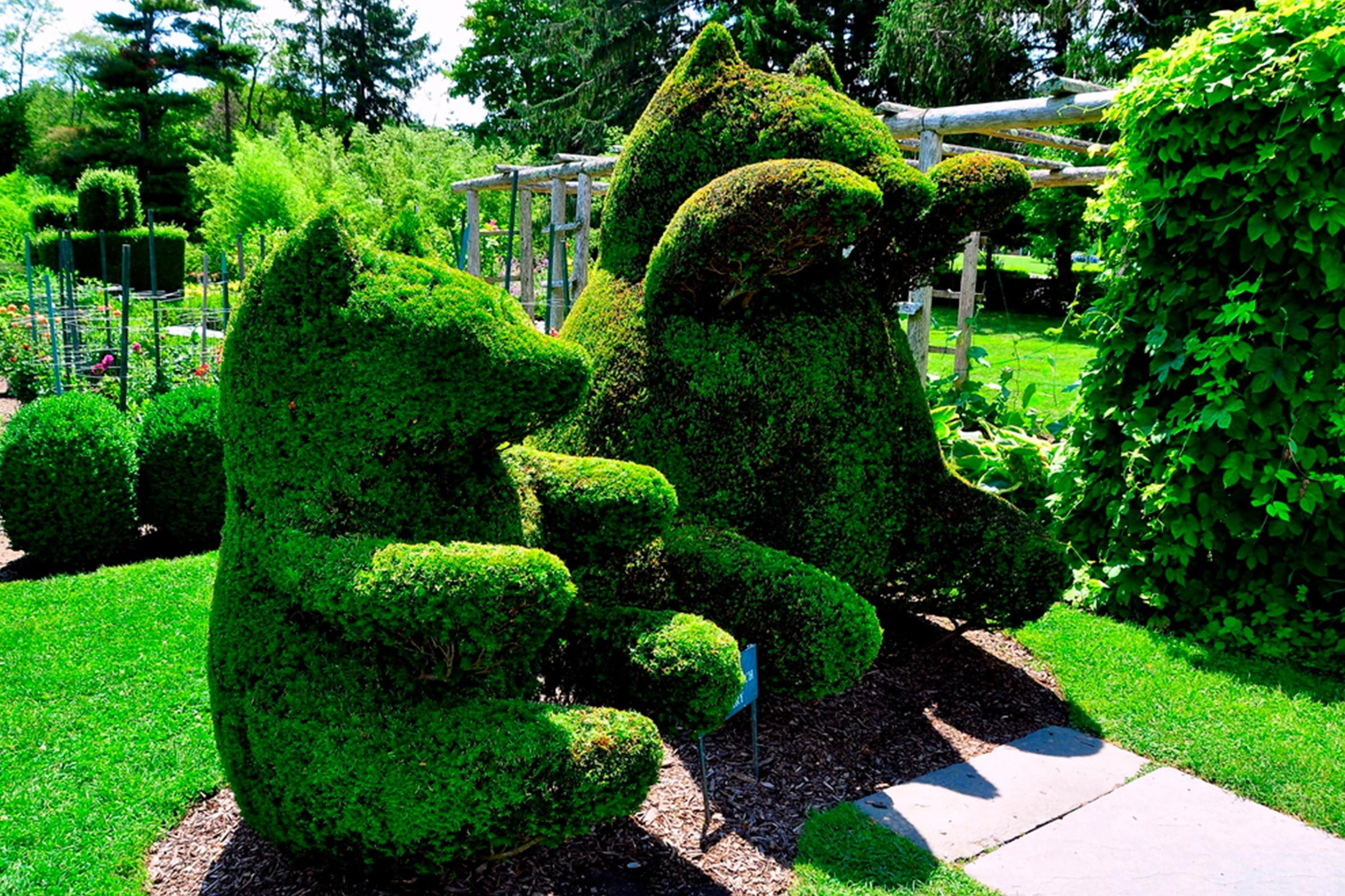 RI, Green animals topiary garden