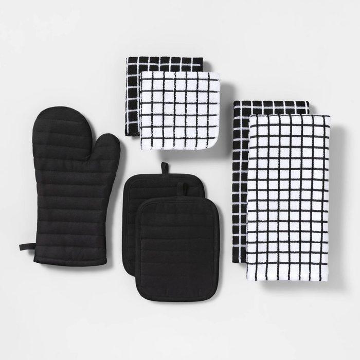 Room Essentials Seven Piece Kitchen Textile Set
