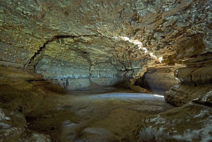 Cave-in-rock in its Illinois State Park