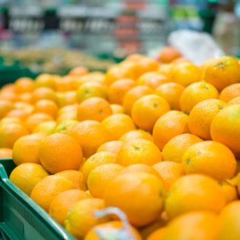 The Juicy Secret to Choosing Ripe Oranges