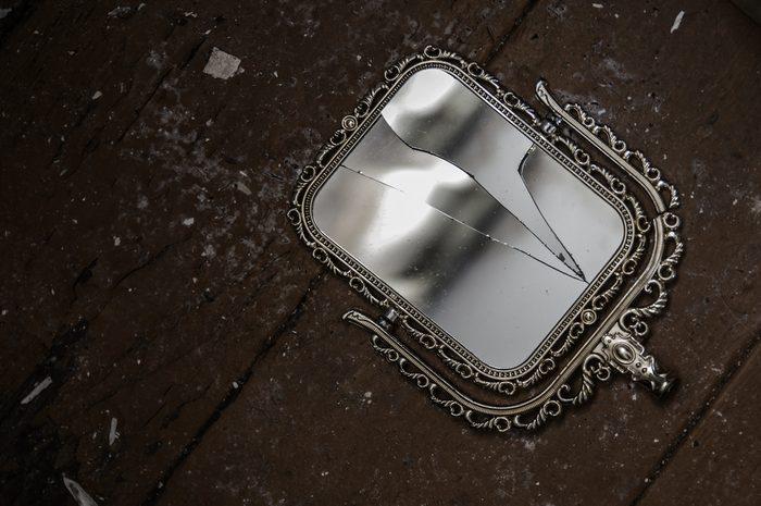 broken mirror unlucky
