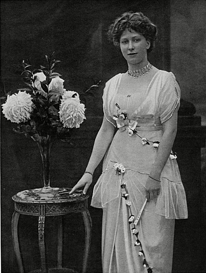 Tatler Cover Princess Mary's Christmas Tin, Ww1, 1914