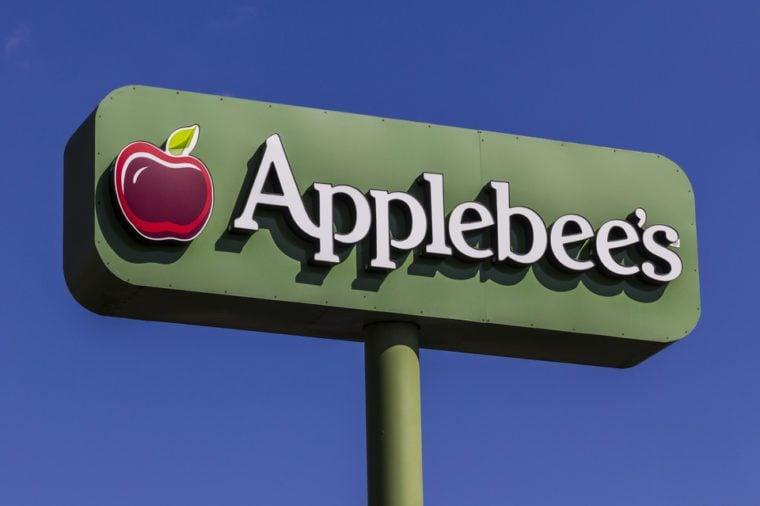 Indianapolis - Circa February 2017: Applebee's Neighborhood Grill and Bar Casual Restaurant. Applebee's is a subsidiary of DineEquity, Inc. IV