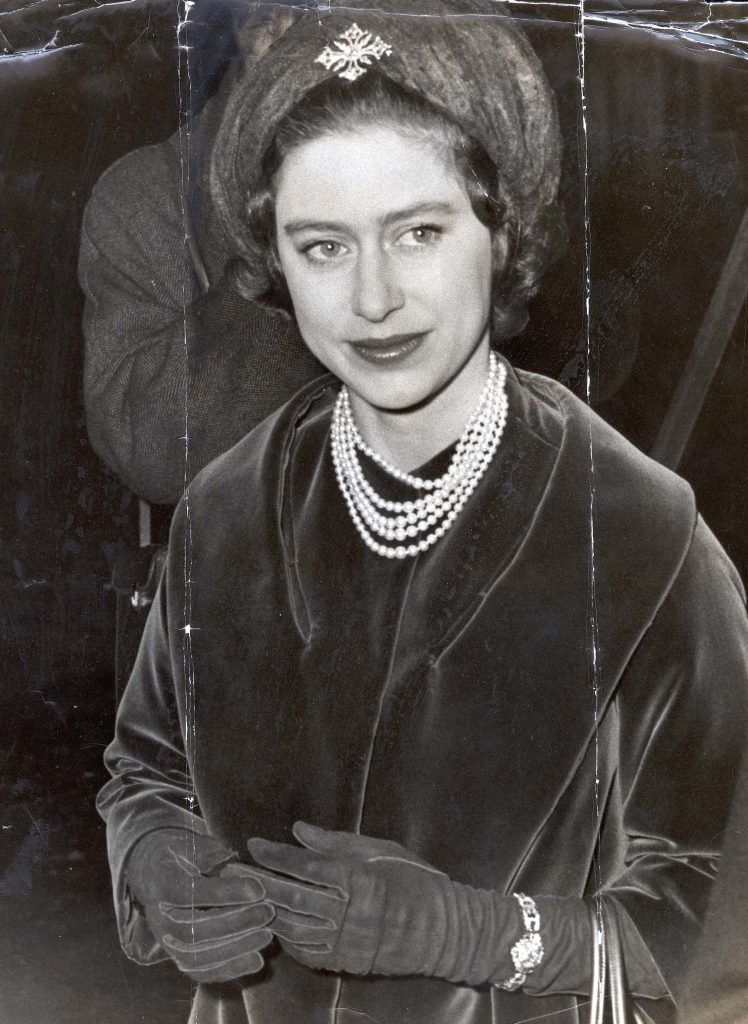 Princess Margaret For The Second Day In Succession Went To A Wedding. She Looked Very Lovely As She Saw Her Cousin Davina Bowes-lyon The Queen Mother''s Niece Marry Viscount Dalrymple At St James''s Piccadilly. Picture Shows The Princess Arriving At