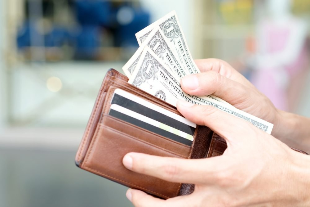 Dollar General Employee Benefits >> Things Dollar Store Employees Won T Tell You Reader S Digest