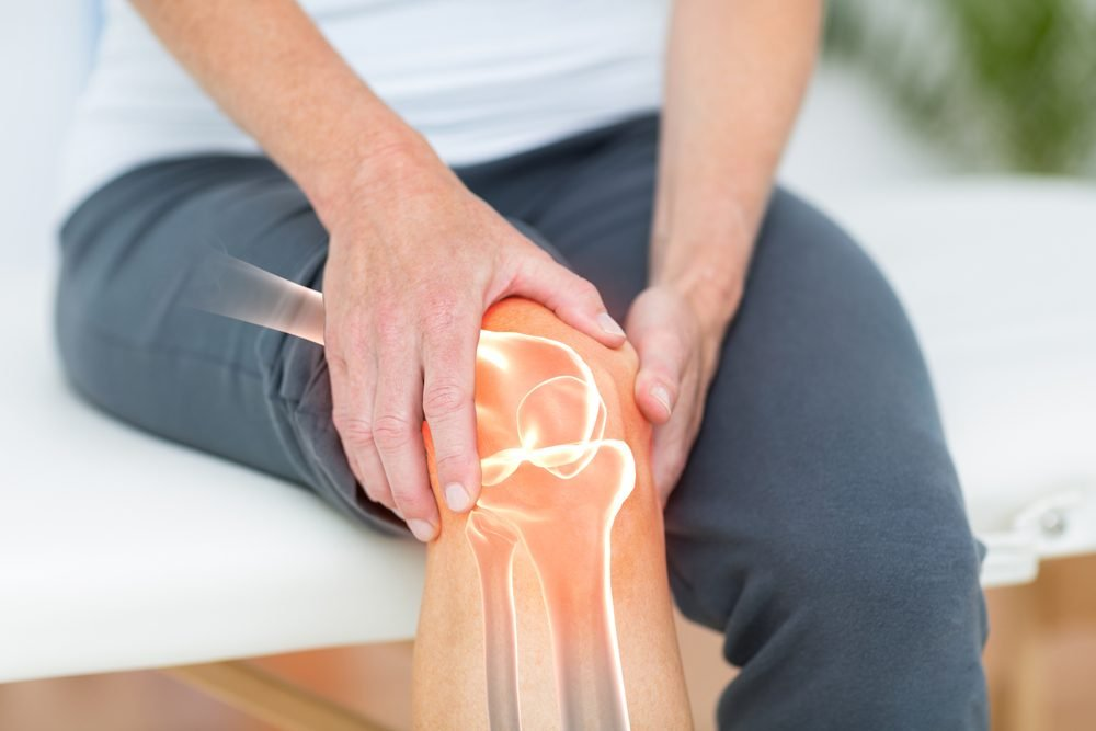 Pain Behind Knee Heres What It Could Mean Readers Digest