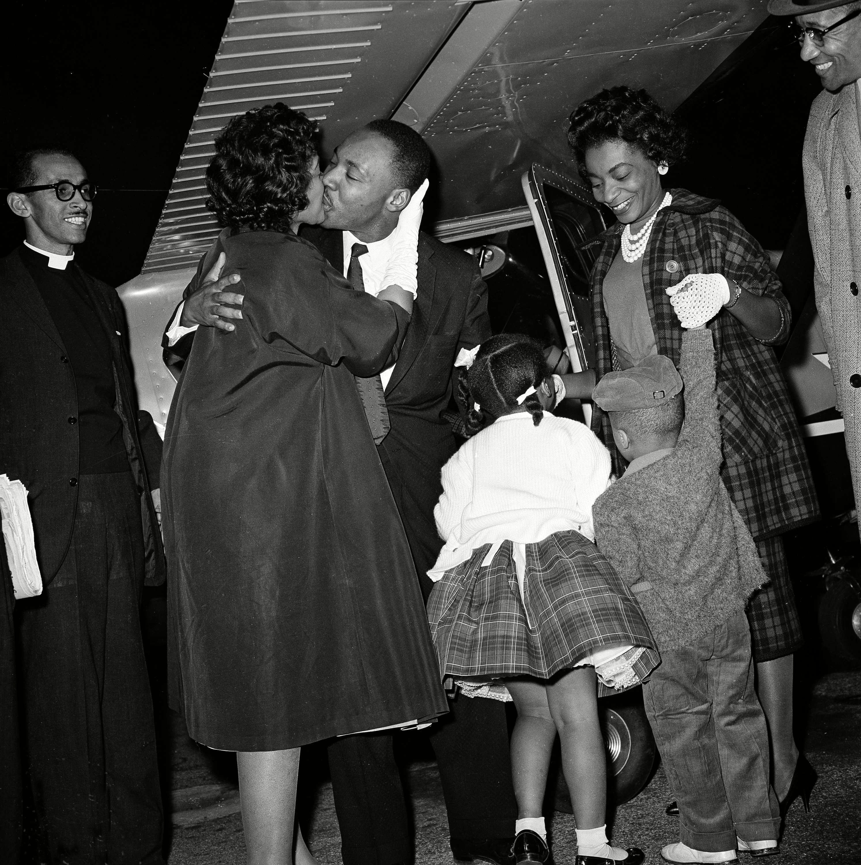 MLK REUNITED WITH FAMILY 1960, ATLANTA, USA