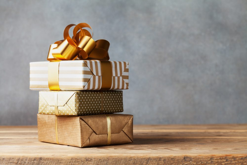Do-It-Yourself Christmas Gift Wrap Ideas
