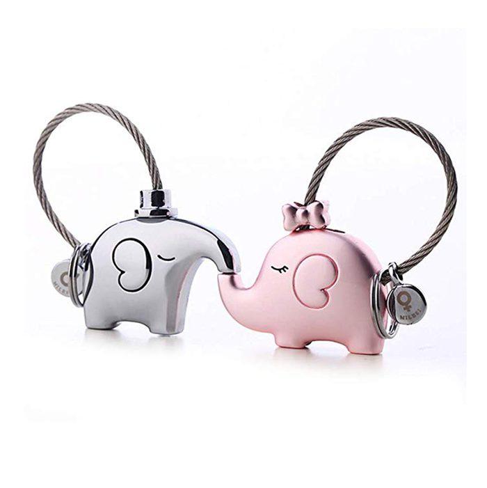 kissing elephant kissing keychains