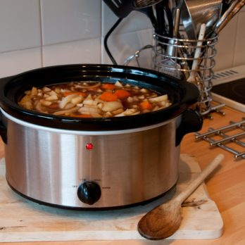 Here's How to Get Your Slow Cooker to Clean Itself