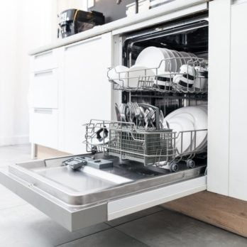 Here's What You Shouldn't Do When Washing Dishes