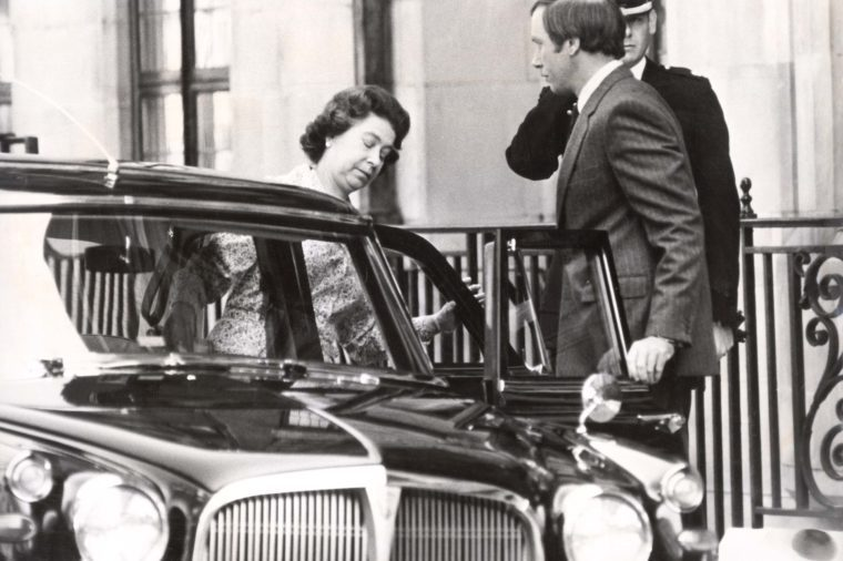 H.m. Queen July 1982. The Queen Elizabeth Ii Leaves King Edward Vii Hospital After Her Stay For Wisdom Tooth Removal. A Reshuffle Of Scotland Yard Officers Was Ordered Following Commander Trestrail''s Resignation. Two Officers Have Been Transferred T
