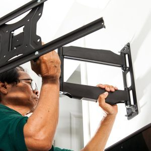 11 Things You Should Never Do to Your Flat Screen TV