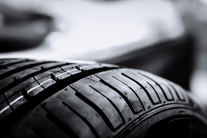 Tires manufactured in factories in Thailand. By using STR 20 certified rubber bands. tires against black, fuel efficient car tires.