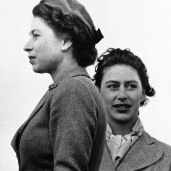 19 Rarely Seen Photos of Royal Siblings