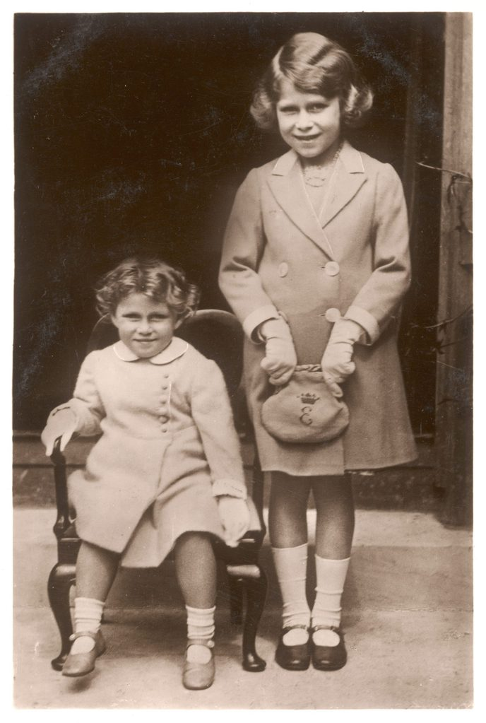 Historical Collection 50 Elizabeth Ii with Her Sister Margaret Rose in 1933 - the Chair and the Handbag Were Made by Disabled Soldiers