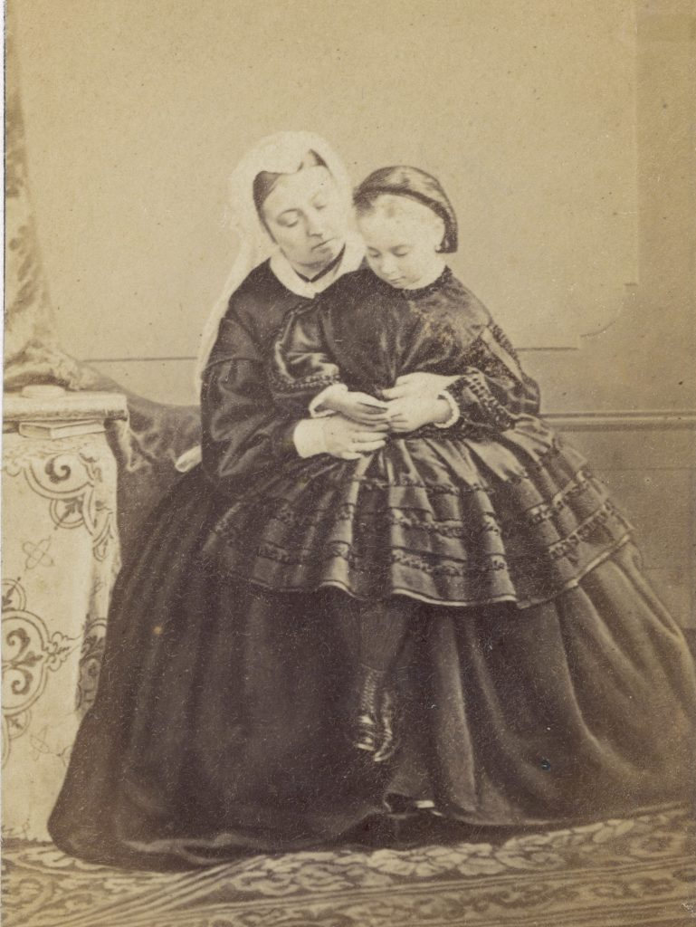 Historical Collection 9 Queen Victoria with Her Youngest Daughter Princess Beatrice (princess Henry of Battenberg 1857-1944) 1819 - 1901
