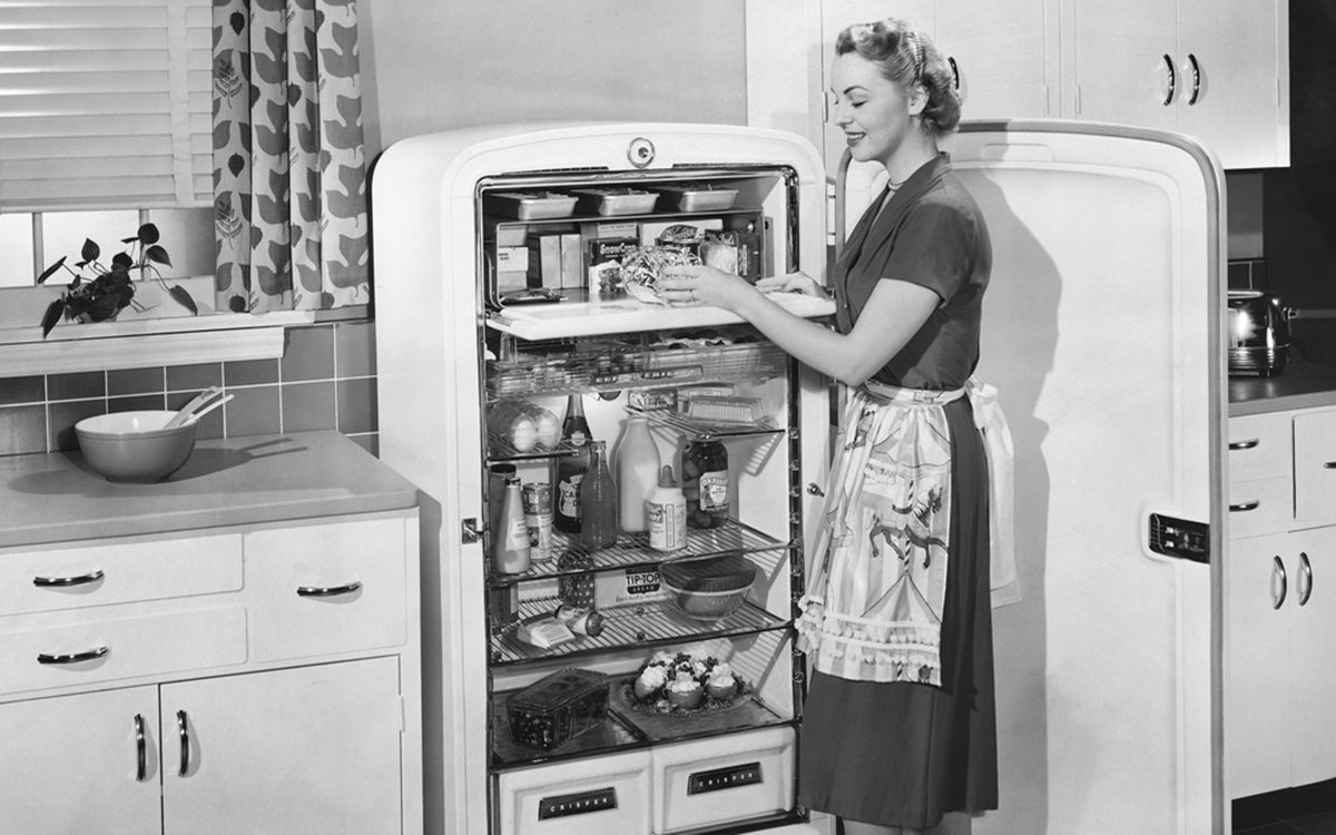 I Cooked Like a 1950s TV Mom for a Week. Here's What Happened.