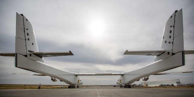 strato back largest plane