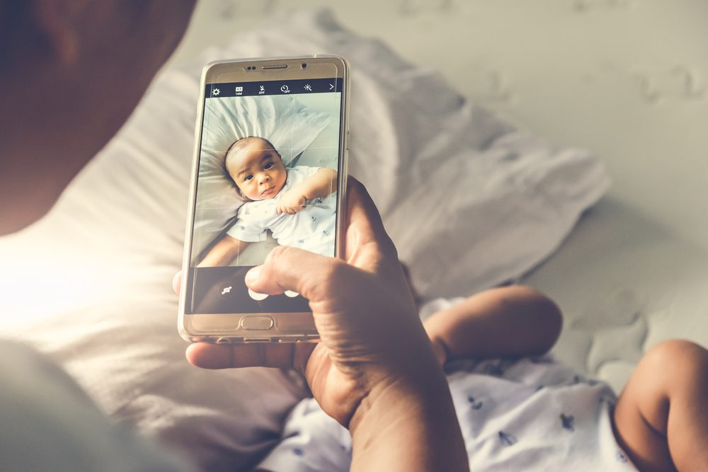 If You See This In One of Your Child's Photos, It Could Be a Sign of Cancer