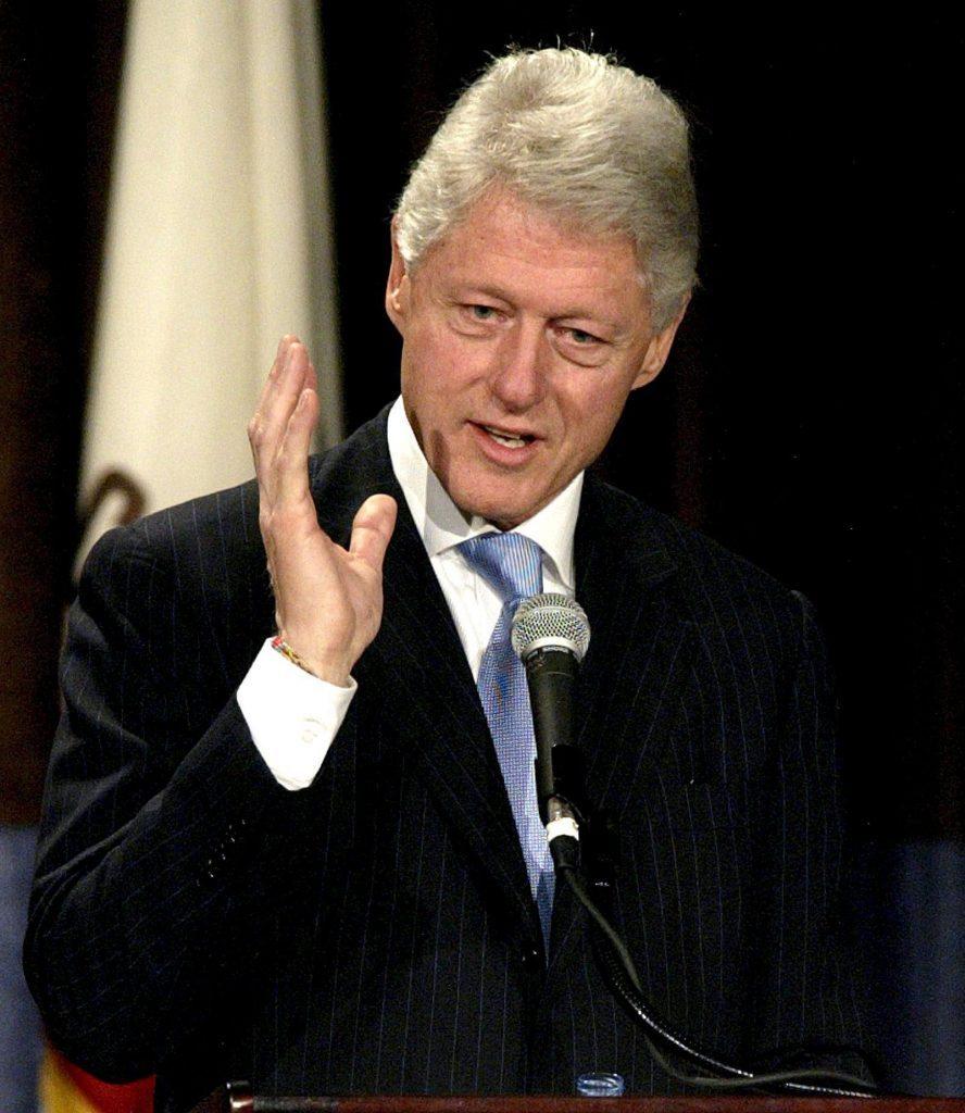 Usa Former President Clinton - Mar 2005