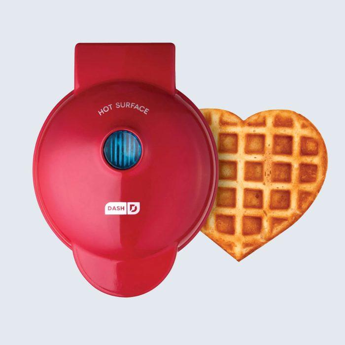 A love-filled mini breakfast: Dash Heart Mini Waffle Maker